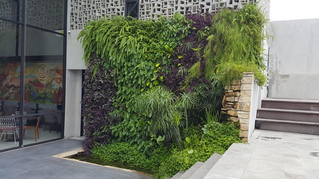 jasa pembuatan vertical garden denpasar